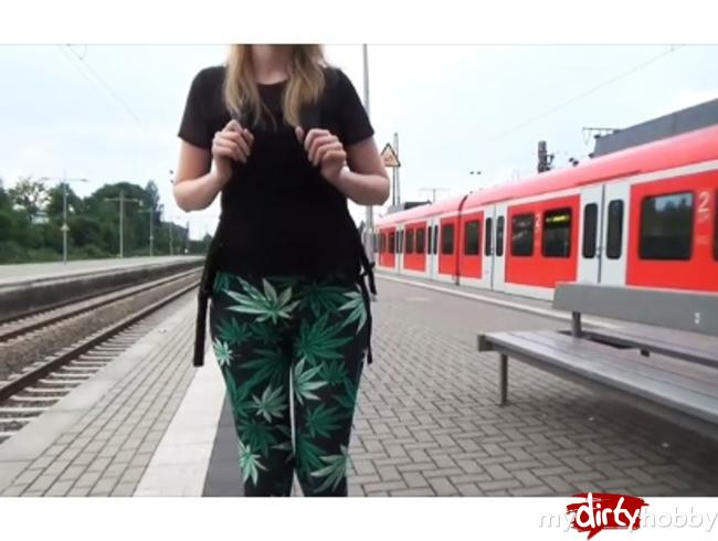 - Vor der Schule!!! Kranke S-Bahnfahrt* Blasen+Cumshot*