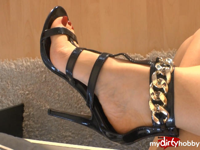 - Sandalen Schuhspiel