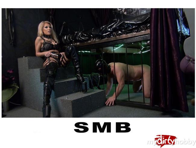 - Mistress Saidas Aschenbecher
