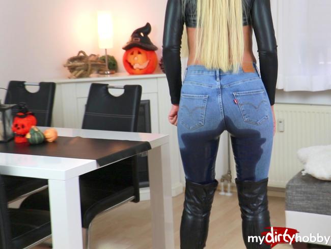- Der vollversaute Mega Jeans-Stiefel-Piss!